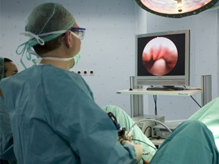 Cirugía Mayor Ambulatoria en Coloproctología.