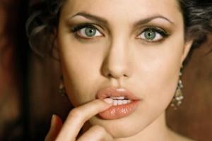 Angelina-Jolie 2