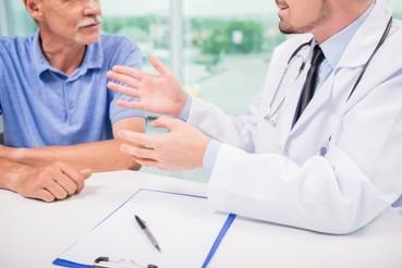 ¿Por qué consultar al proctólogo desde los 50 años, aun sin síntomas?