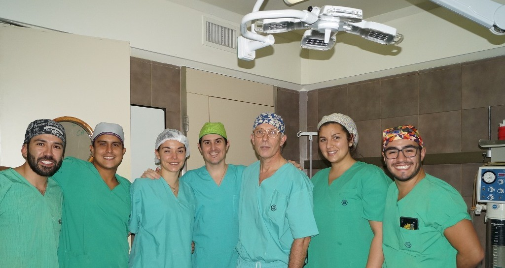 De izquierda a derecha: Dr. David Chanchí, Dr. Darío Alarcón, Dra. Carolina Ramacciotti, Dr Hernán Palacios, Dr. Ernesto Moretti, Dra. Julieta Settecasi, Dr. Jonathan Camargo.