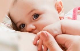 Lactancia Materna: Protección y Bienestar para Madre e Hijo
