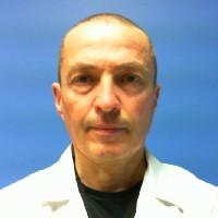 Dr. Adrián Álvarez