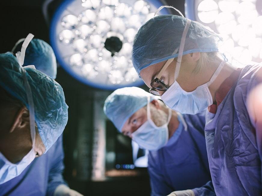 Primer implante 3D en base de cráneo