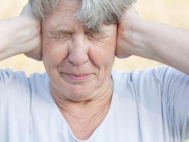 Cuidados del oído en el adulto mayor - presbiacusia - Grupo Gamma