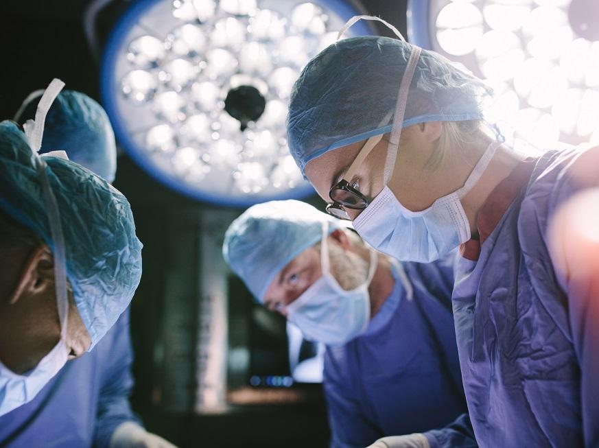 Cirugía laparoscópica de vesícula con cicatrices mínimas